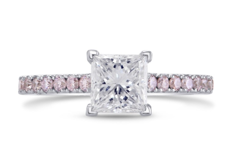 Leibish White and Pink Diamond Ring